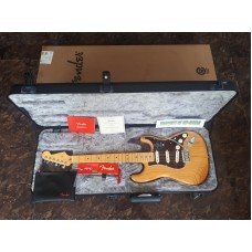 FENDER USA AMERICAN ULTRA STRATOCASTER AGED NATURAL