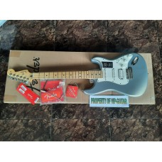 FENDER PLAYER STRATOCASTER HSS SILVER MAPLE FRETBOARD