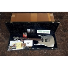 MUSICMAN USA JP 13 SILVER WITH PIEZO